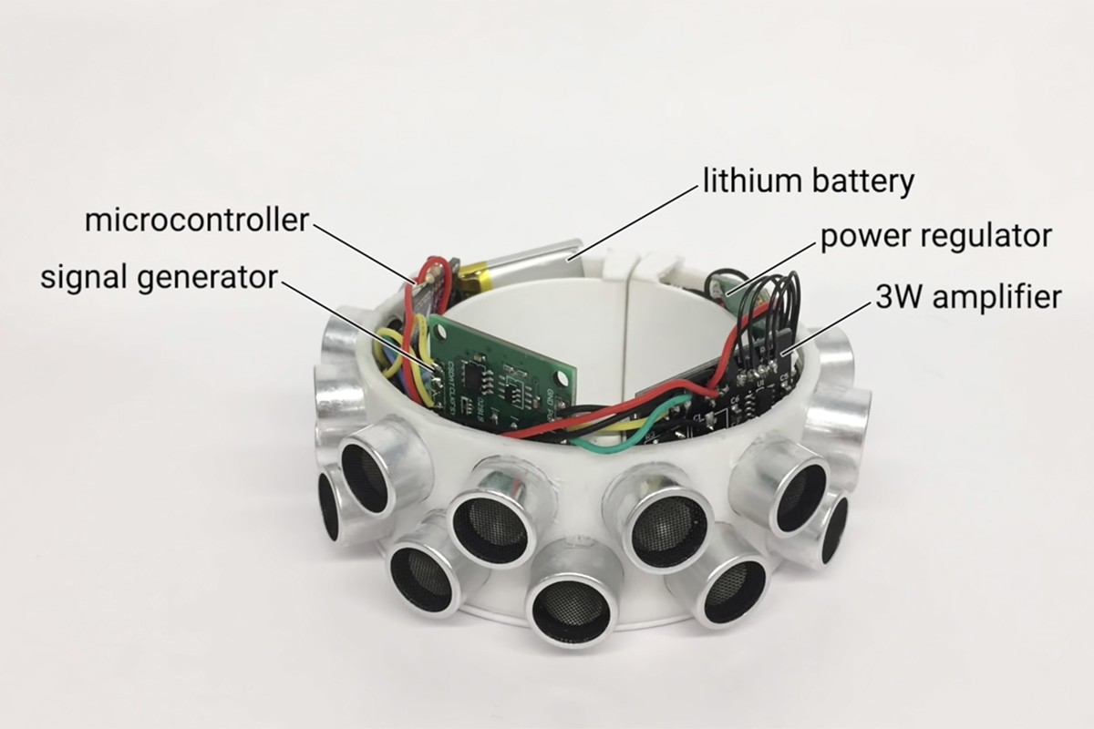 This bracelet jams microphones in smart devices, prevents eavesdropping [video]